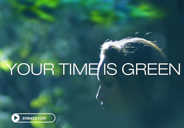 Your Time Is Green screen z trailera filmu